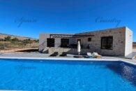 {:en}Modern and spacious villa in Hondon de las Nieves{:}{:fr}Luxueuse villa style Ibiza à construire dans la vallée de Hondon{:}{:nl}Luxueuze nieuwbouw  Ibiza-stijl in de Hondon vallei{:} at 03688 Fondó de les Neus, Province d'Alicante, Espagne for 219900