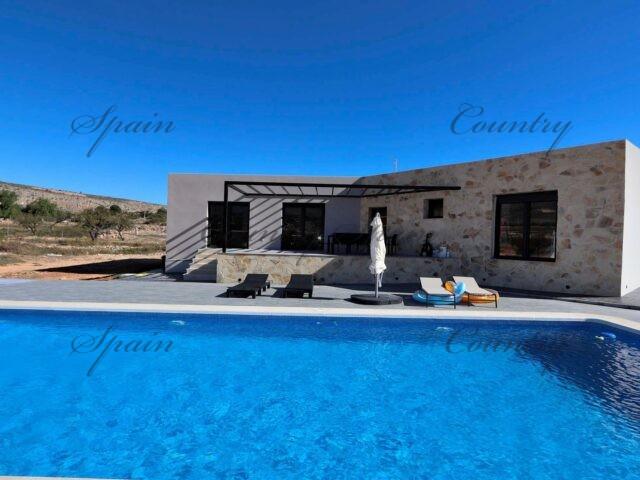 {:en}Modern and spacious villa in Hondon de las Nieves{:}{:fr}Luxueuse villa style Ibiza à construire dans la vallée de Hondon{:}{:nl}Luxueuze nieuwbouw  Ibiza-stijl in de Hondon vallei{:}