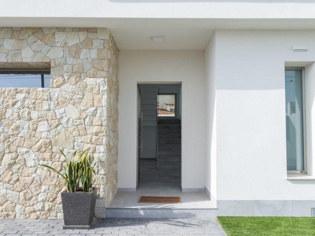 {:en}4 Bedrooms Villa in Torrevieja - EB119{:}{:fr}Villa de 4 Chambres  à Torrevieja - EB119{:}{:nl}Villa met 4 Slaapkamers  in Torrevieja - EB119{:}